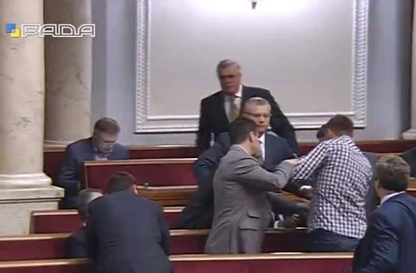 Парасюк знову відзначився: Накинувся на Колеснікова - фото 2
