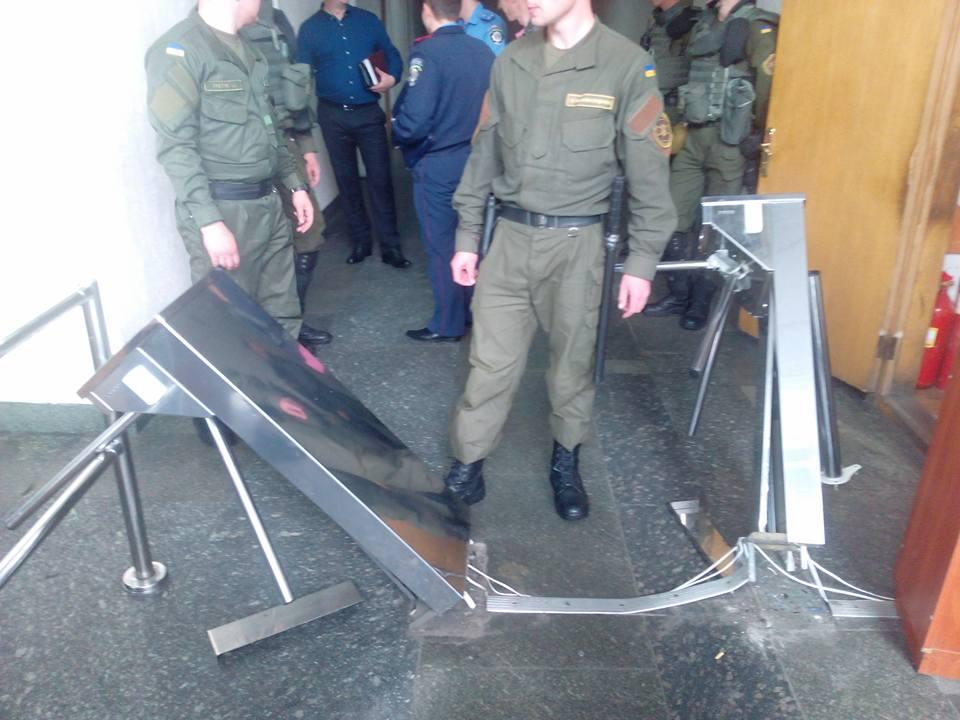 Переселенці з Донбасу атакують Мінсоцполітики - фото 3
