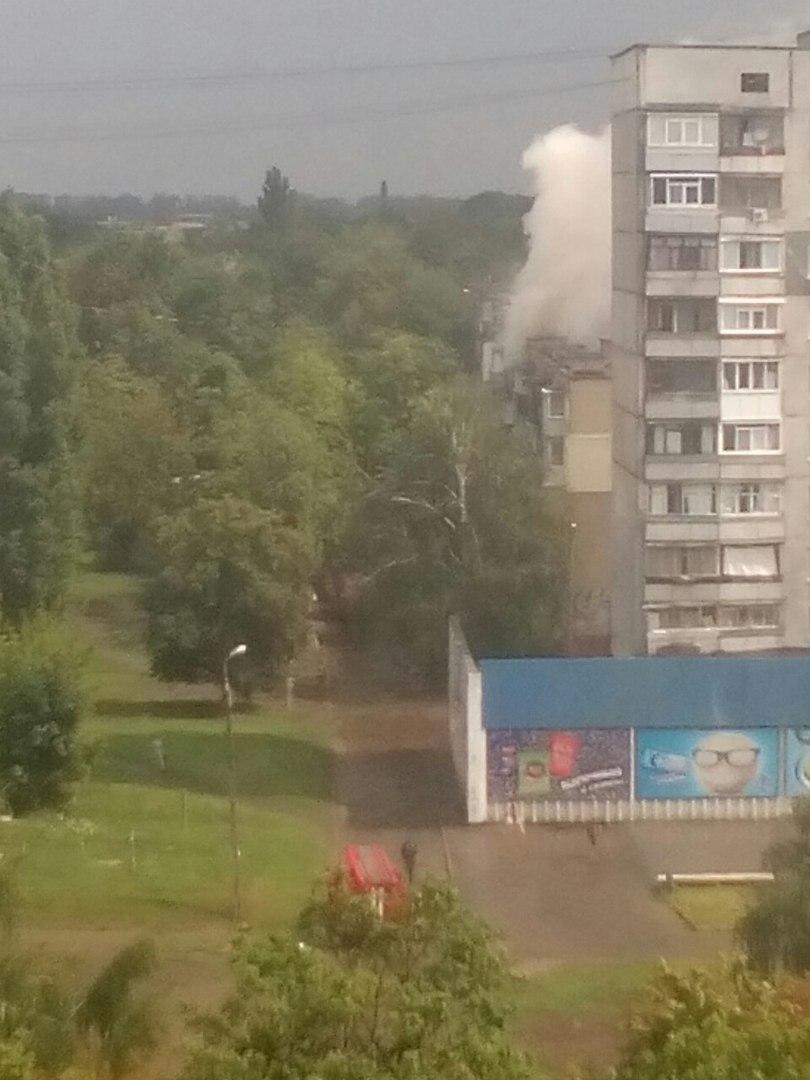 У Харкові спалахнула п'ятиповерхівка  - фото 2