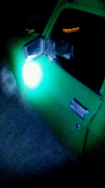 У Миколаєві п'яний водій у військовому розбив головою лобове скло машини - фото 3