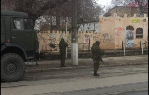 Хроніки окупації Криму: російські війська пішли в наступ - фото 8