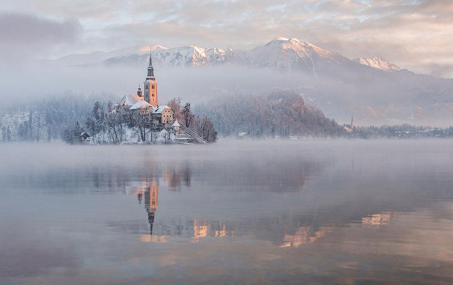 Фотограф подарував світу зимову казку зі Словенії - фото 4