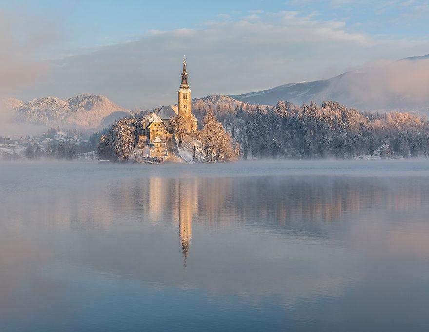 Фотограф подарував світу зимову казку зі Словенії - фото 2