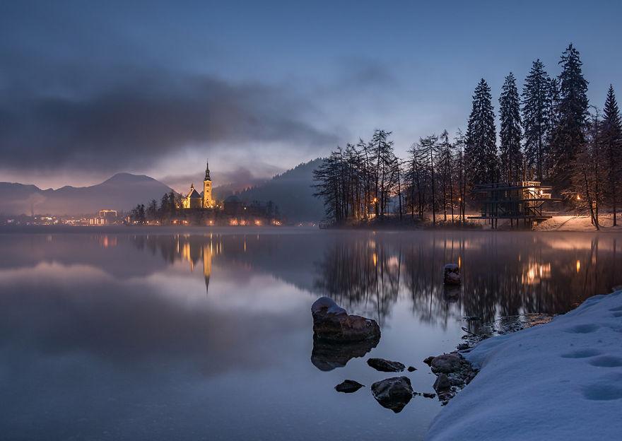 Фотограф подарував світу зимову казку зі Словенії - фото 1