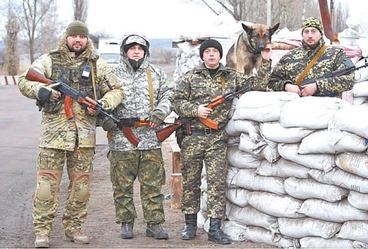 Чим займаються на Донбасі найкращі друзі бійців АТО - фото 15