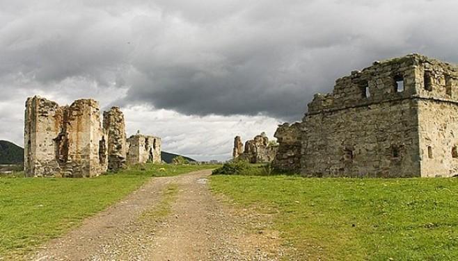 Скарби, привиди-мучителі і підземні ходи: Про що можна дізнатися у мурах Пнівського замку - фото 1