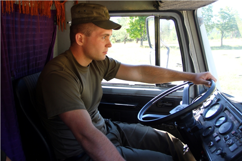 У Харкові майбутніх гвардійців навчили водити  - фото 2