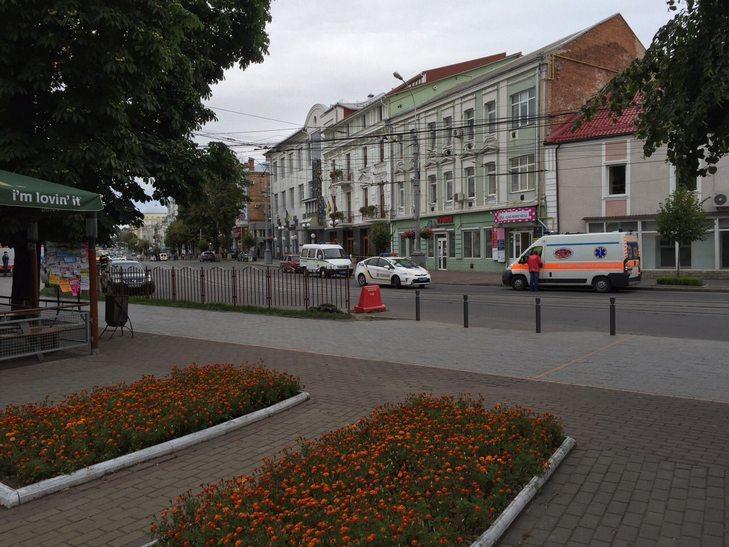 В готелі у центрі Вінниці шукають вибухівку - фото 4