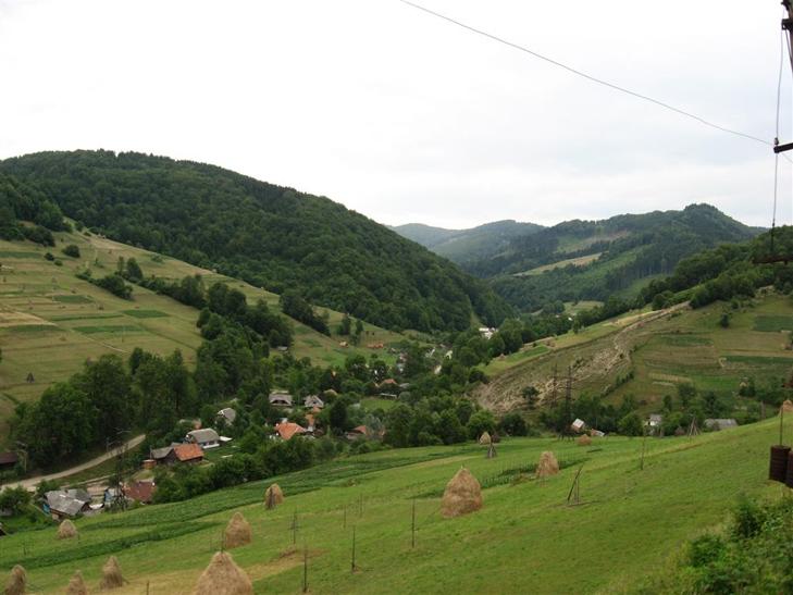 jpg_15 Подорожі Україною: Топ-10 найцікавіших сіл у Карпатах