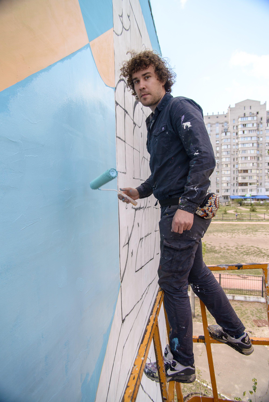 Ще одна школа Києва відтепер може похвалитися власною фрескою - фото 3