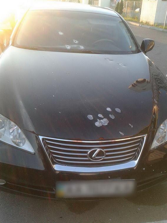 У Києві невідомі обстріляли автомобіль адвоката - фото 1