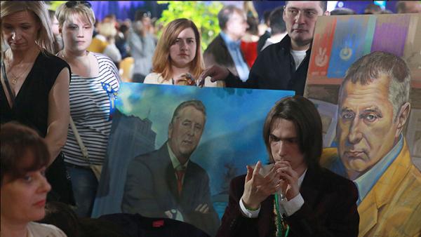«Клоун Путіна» Жириновський бучно відзначив свій ювілей у Москві - фото 3