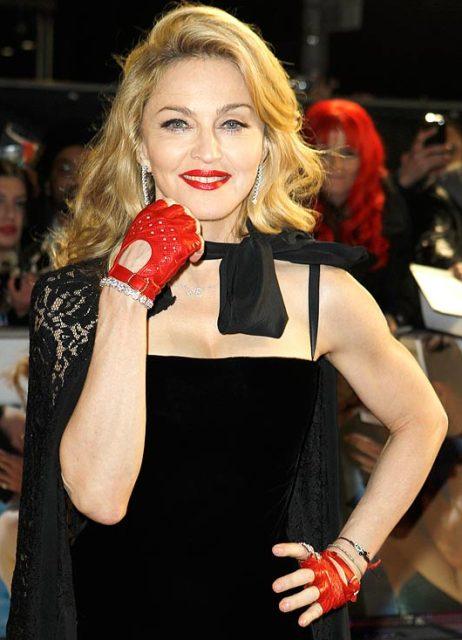 Яскраві тренди та цитати Мадонни - фото 5