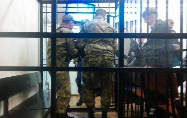 """Голодуючий """"азовець"""" Краснов втратив свідомість у суді (ФОТО) - фото 1"""