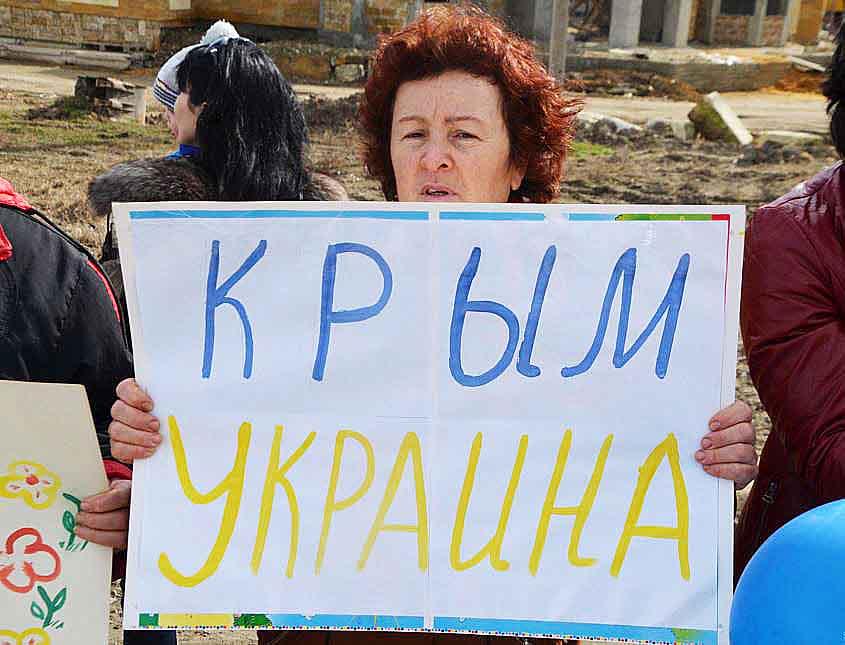 Хроніки окупації Криму: як керченські морпіхи з окупантами у футбол грали - фото 13