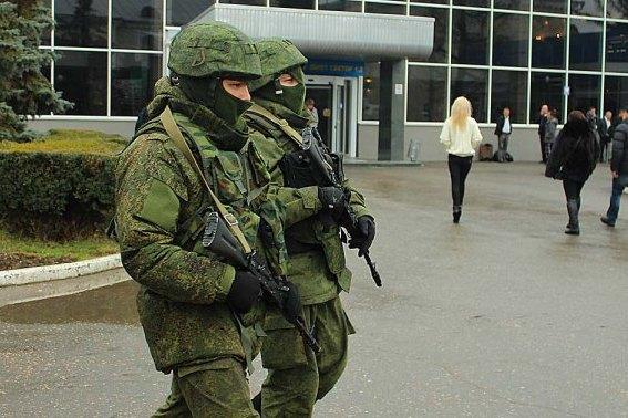 Хроніки окупації Криму: обстріл українського літака і вторгнення в Чонгар - фото 3