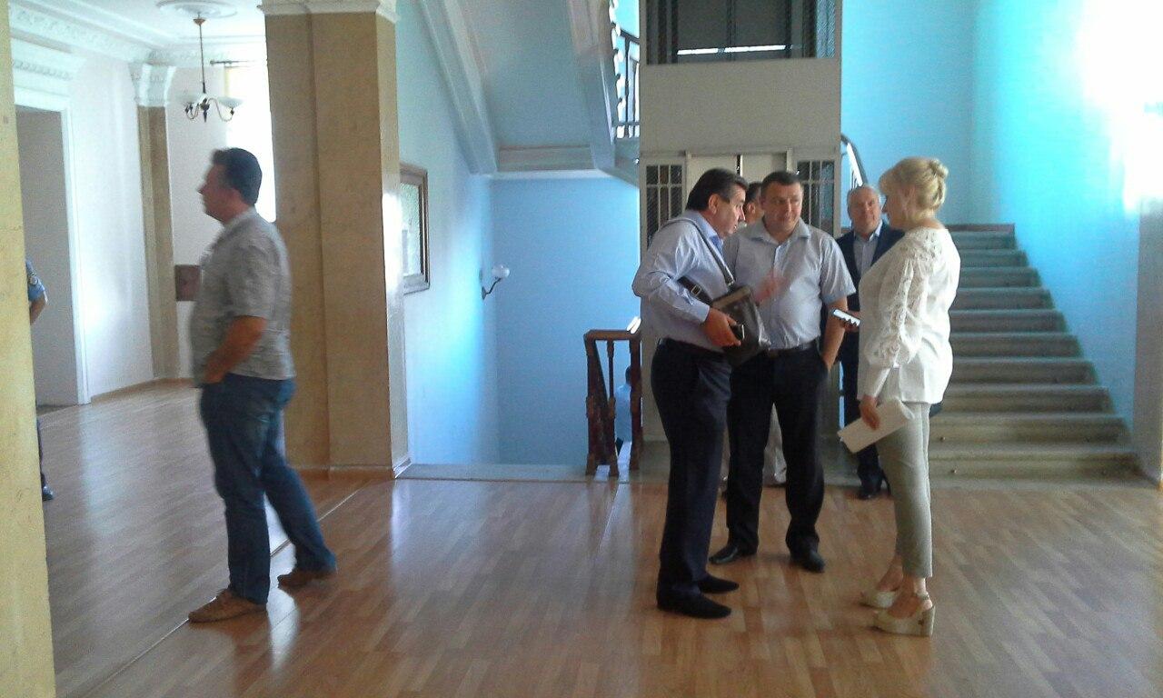 У Миколаєві депутати хочуть проводити сесію міськради у замінованому залі - фото 3