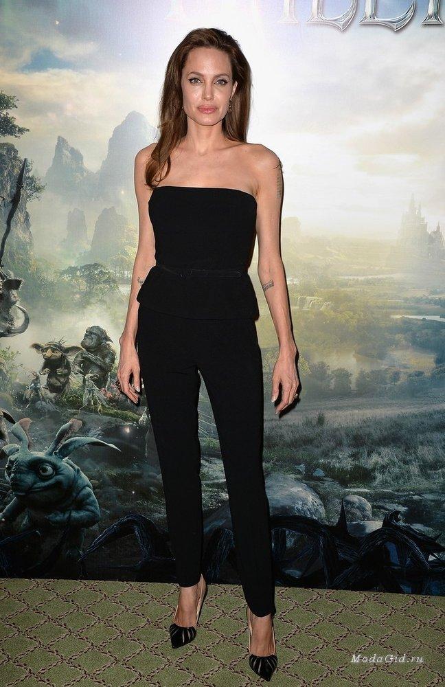 Кожній країні по Анджеліні: Як виглядають двійники Анджеліни Джолі - фото 21