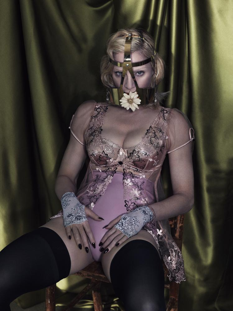 Яскраві тренди та цитати Мадонни - фото 4