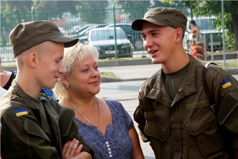У Харкові майбутніх гвардійців відправили на військову підготовку  - фото 4