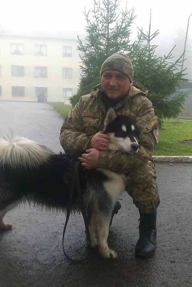 Чим займаються на Донбасі найкращі друзі бійців АТО - фото 10