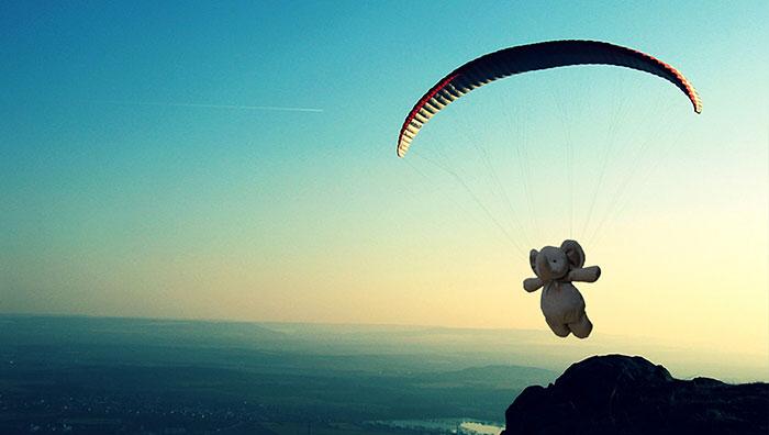 Як батьки довели сину, що загублена іграшка вирішила помандрувати світом  - фото 6