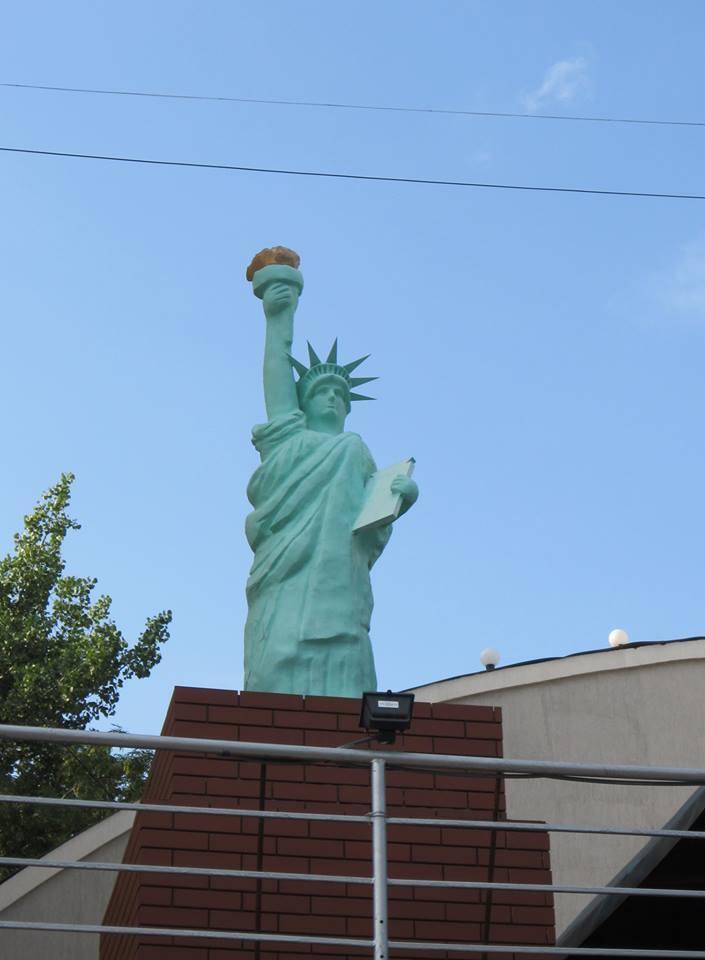 ТОП-9 сестер Статуї Свободи - фото 3