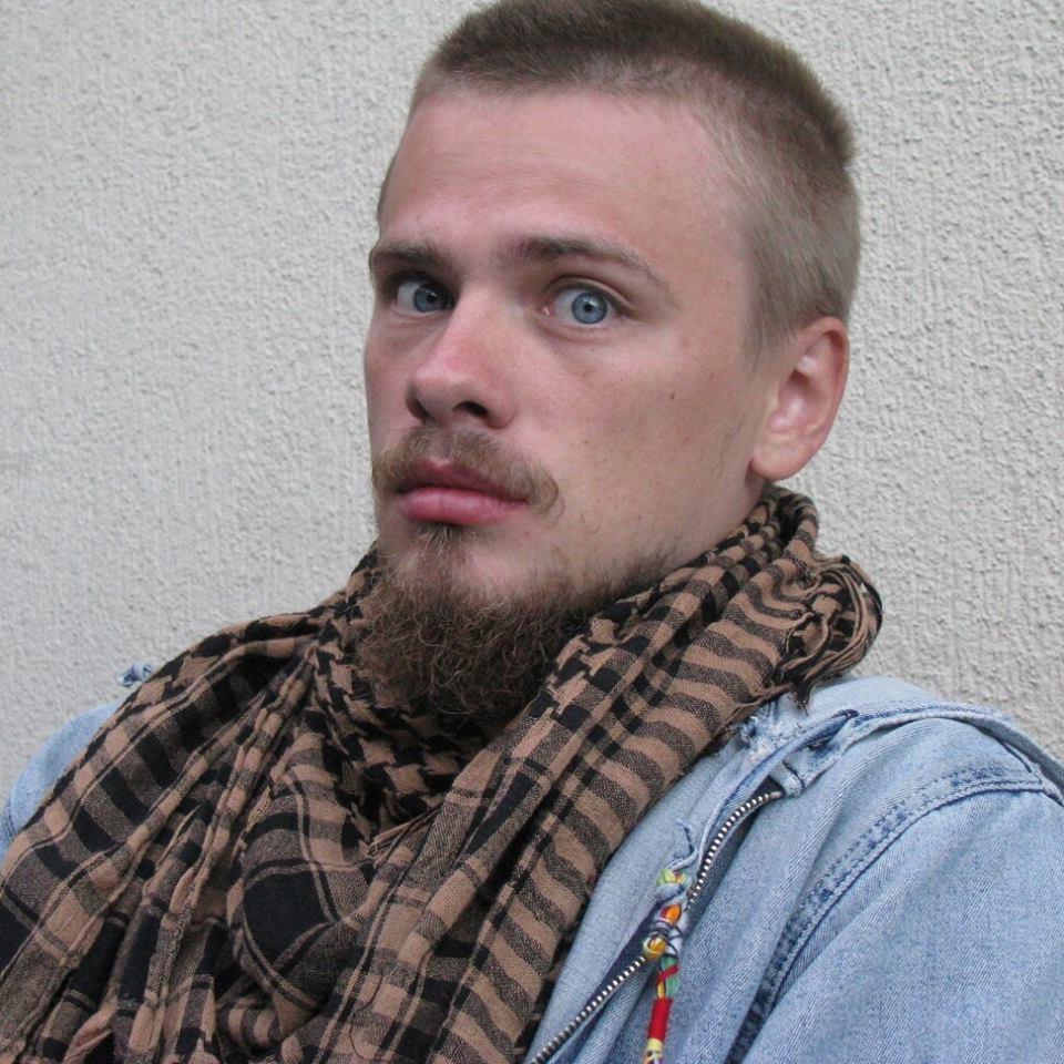 Хто і навіщо завісив Київ білбордами з цитатами Ліни Костенко - фото 2