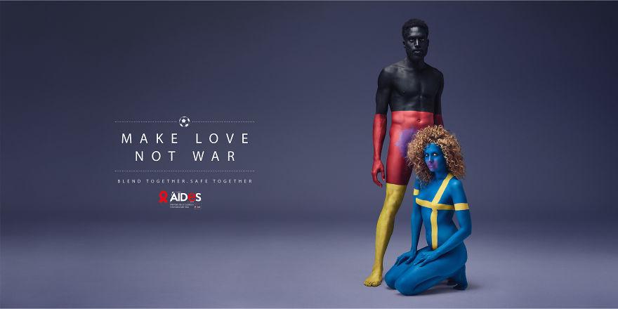 Як кольорові голі люди пестилися проти СНІДу - фото 2