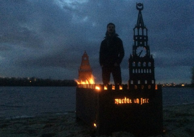 Киянин продає мангали у вигляді палаючого Кремля (ФОТО) - фото 2