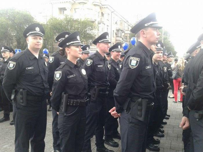 У Маріуполі склали присягу патрульні поліцейські - фото 1