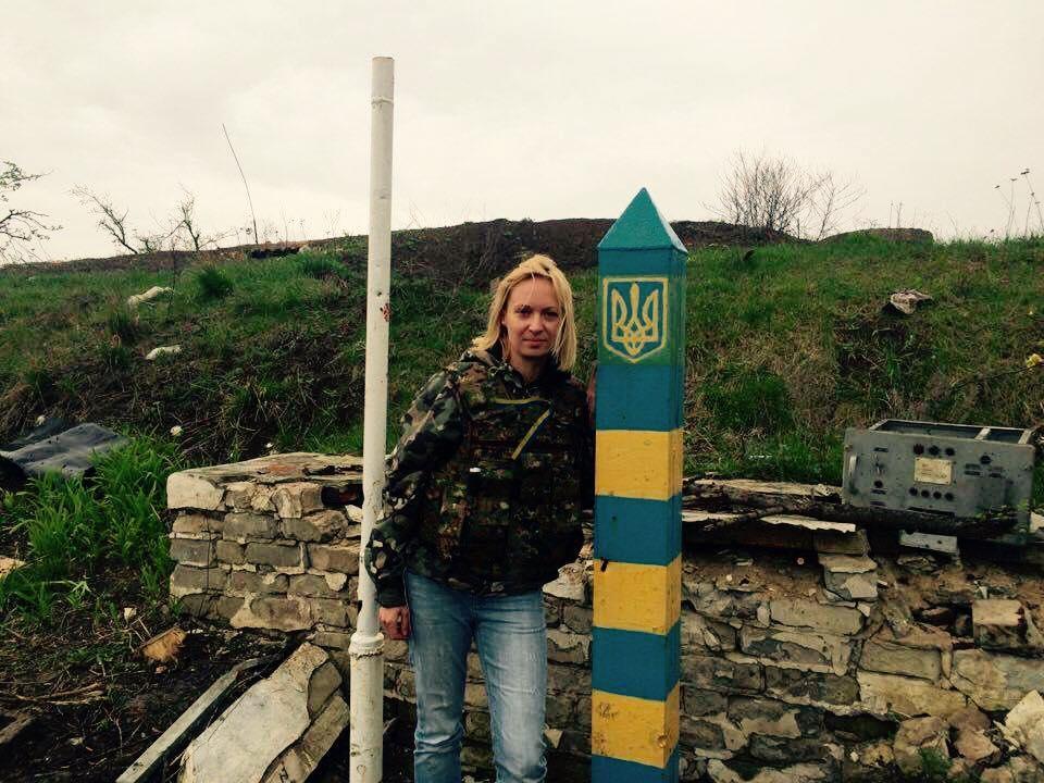 Байки і прапори: Захисники Луганського аеропорту святкують день народження - фото 1