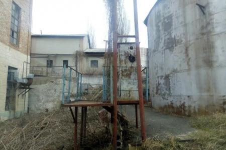 """Вінницькі фіскали знайшли """"нічийний"""" спирт вартістю 3 млн. грн. - фото 1"""