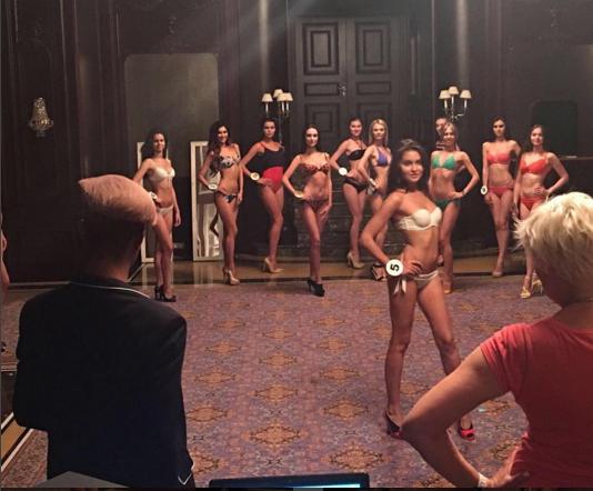 """Як конкурсантки """"Міс Україна Всесвіт"""" у бікіні тілами хизувалися - фото 1"""