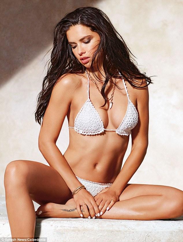 Як ангел Victoria's Secret позувала у знадливих бікіні - фото 2