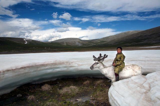 Як неймовірно виглядає життя монгольського загубленого племені  - фото 4