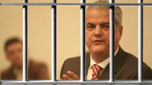 Людина яка переламала систему в Румунії та поборола корупцію - фото 7