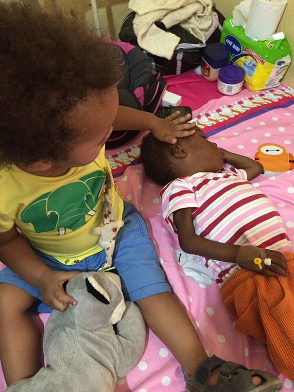 Зворушлива історія про малюка з Нігерії, який помирав від голоду, отримала своє продовження  - фото 5