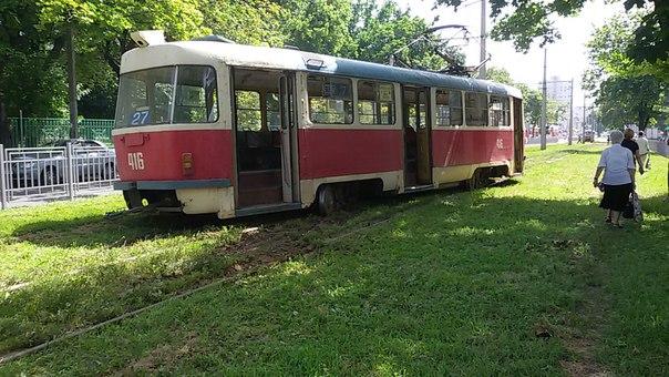 У Харкові трамвай злетів з рейок  - фото 1