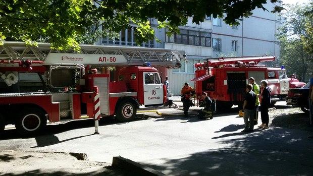 У Харкові під час пожежі в багатоповерхівці евакуювали дев'ять осіб - фото 1
