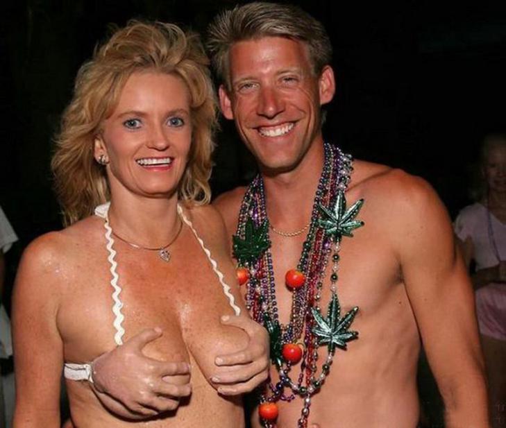 30 кумедних купальних костюмів - фото 1