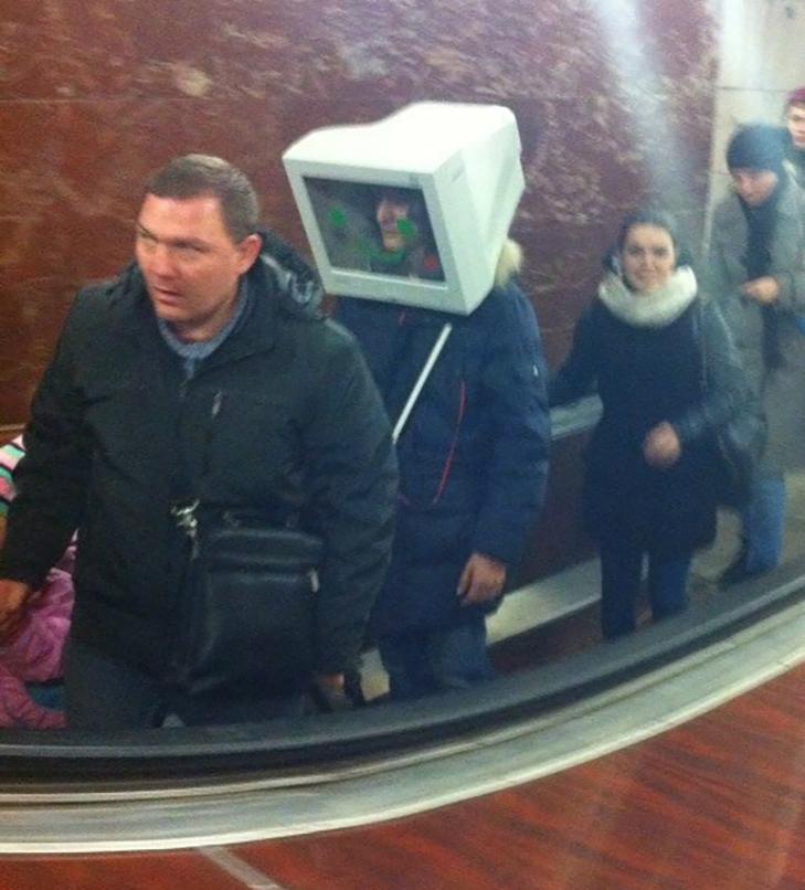 35 неймовірних диваків у метро - фото 3