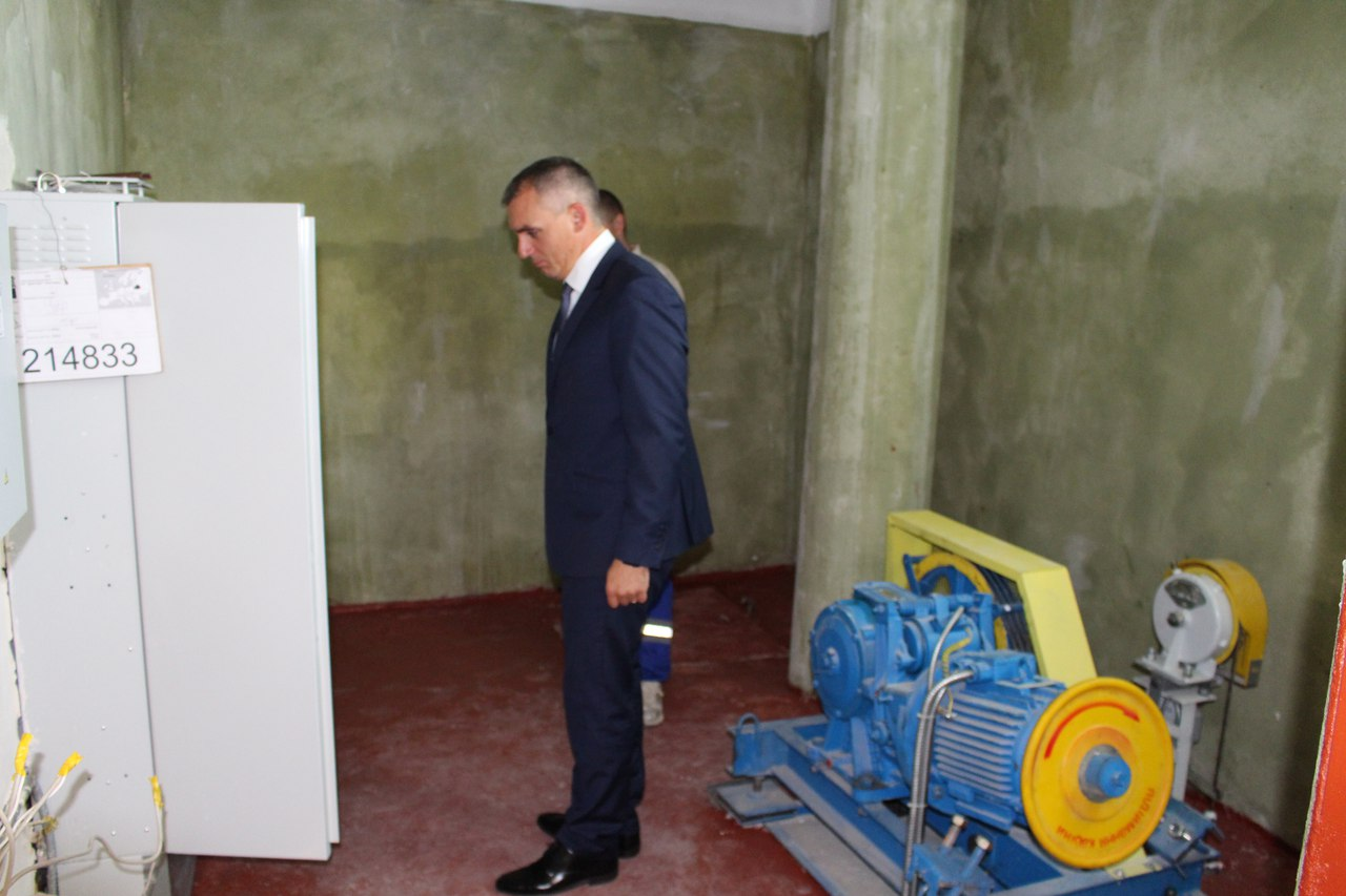 У миколаївській багатоповерхівці запустили два ліфти, які не працювали 20 років