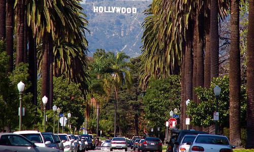 Шалені гроші і доленосні історії: Як змінювалась вивіска Hollywood впродовж століття - фото 13