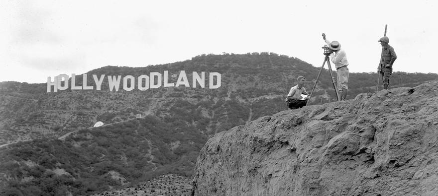 Шалені гроші і доленосні історії: Як змінювалась вивіска Hollywood впродовж століття - фото 4