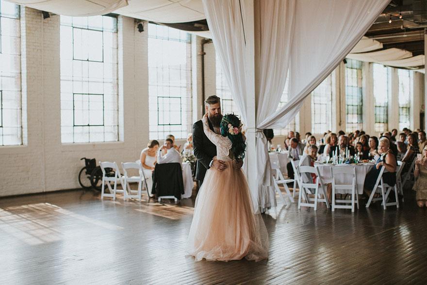 Як паралізована наречена приголомшила коханого на весіллі  - фото 6