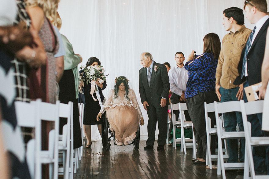 Як паралізована наречена приголомшила коханого на весіллі  - фото 2