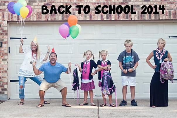 """Як батьки """"сумують"""", коли їхні діти йдуть до школи після літніх канікул  - фото 9"""