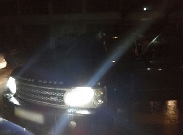 У Львові п'яний водій крутезного авто побив копа - фото 1