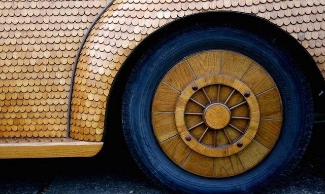 Пенсіонер прославився завдяки авто з риб'ячою лускою - фото 3